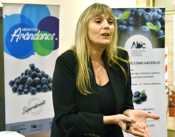 Dra. Mónica Katz en el lanzamiento de la semana del arándano